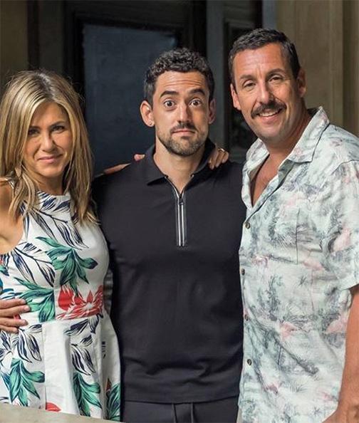 Luis Gerardo Méndez, con Sandler y Aniston