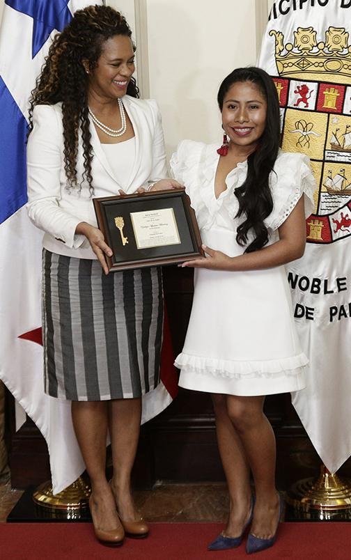 Aparicio, con la alcaldesa de Ciudad de Panamá