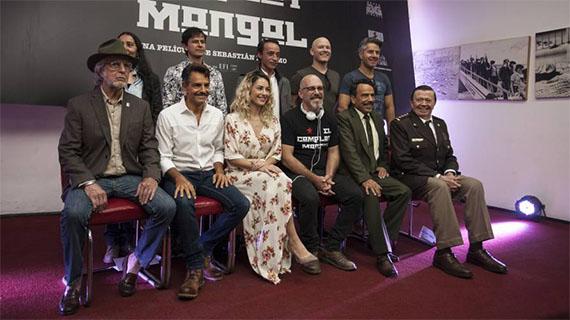 "El equipo de ""El complot mongol"""