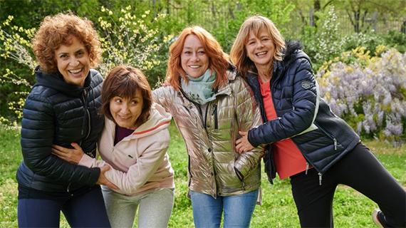Gracia Querejeta (tercera desde la izquierda), con sus actrices
