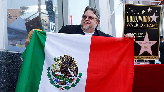 Del Toro, orgulloso de ser inmigrante mexicano