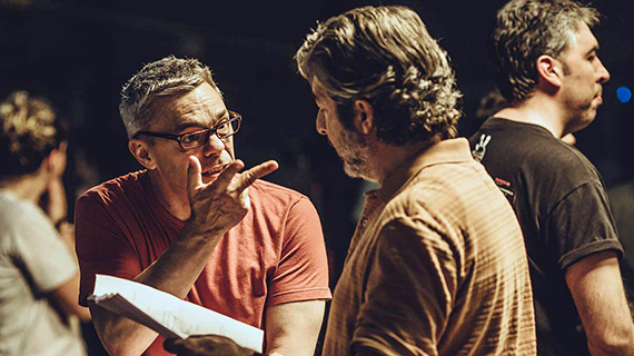 Sebastián Borensztein, con Darín en el rodaje