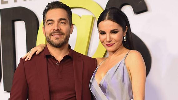 Omar Chaparro, junto a Martha Higareda