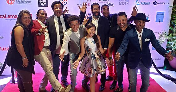 """Equipo de """"Superbomberos"""" celebra el estreno"""