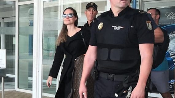 Angelina Jolie a su llegada a Fuerteventura (DDF)