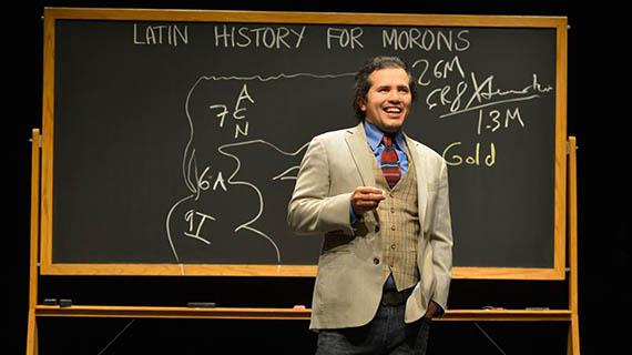 """Leguízamo en """"Latin History for Morons"""""""