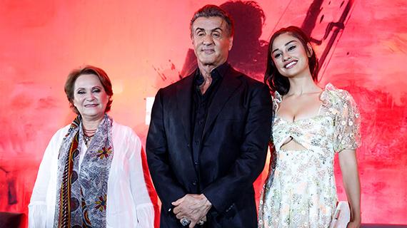 Barraza, con Stallone e Yvette Monreal