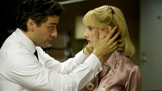 Oscar Isaac con Jessica Chastain