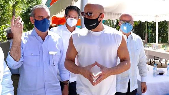 Vin Diesel con el presidente dominicano