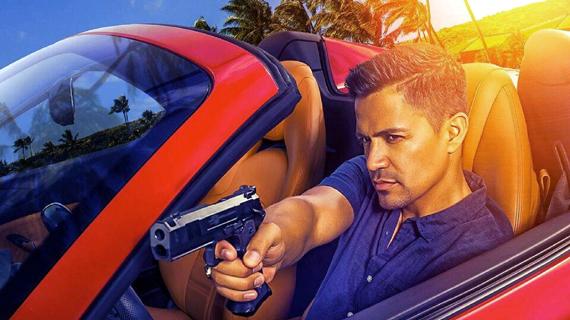 Hernández, como Magnum
