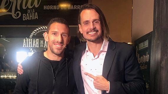 Sancho, con Maxi Rodríguez