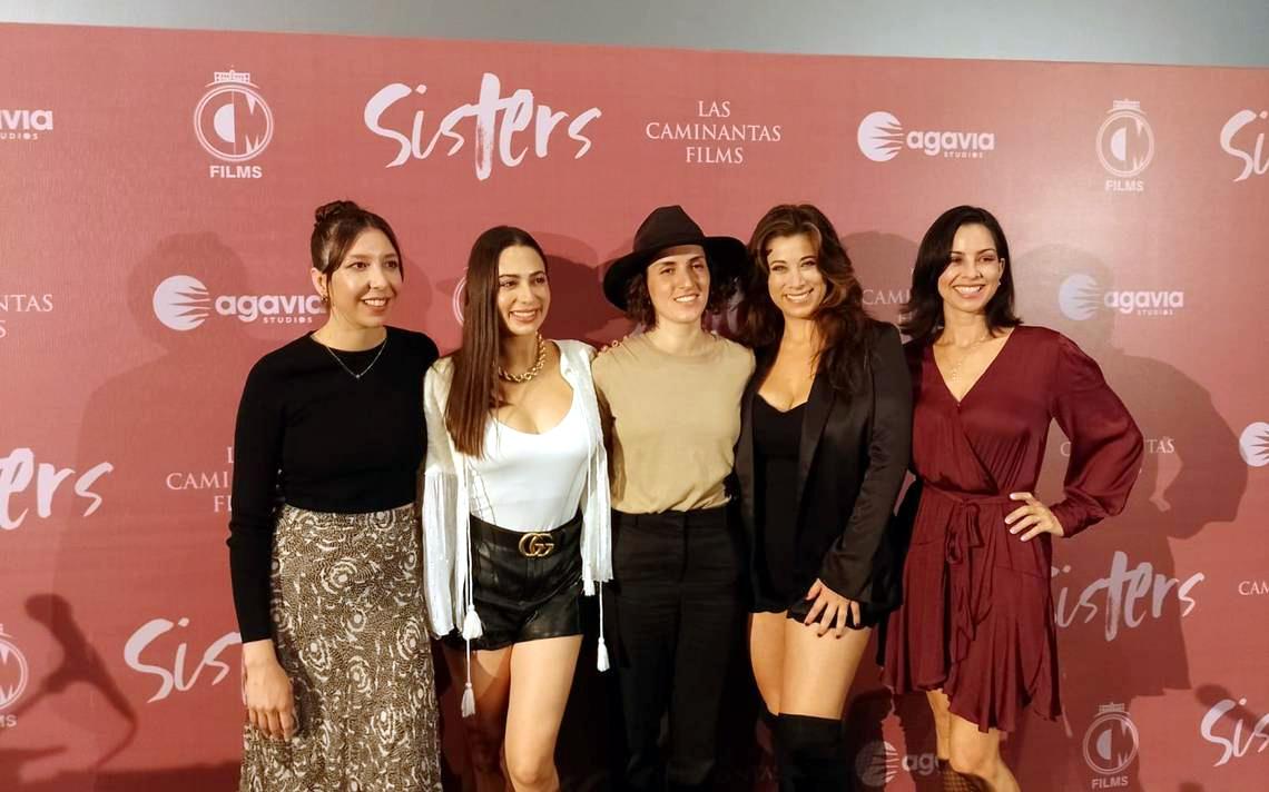 """El totalmente femenino equipo de """"Sisters"""""""