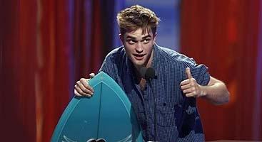 Pattinson, candidato por dos películas, ganador en una edición anterior