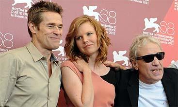 Willem Dafoe, Shanyn Leigh y Abel Ferrara (AFP)