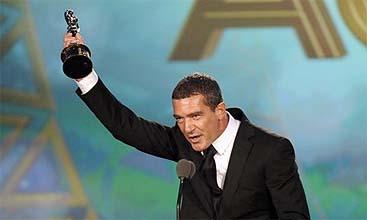 Antonio Banderas celebra su nuevo ALMA (Reuters)