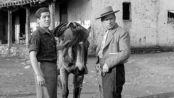 """Víctor Jara (izq.), en """"Un viaje a Santiago"""""""