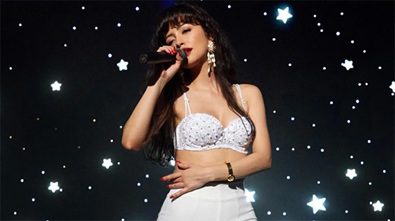 Christian Serratos como Selena