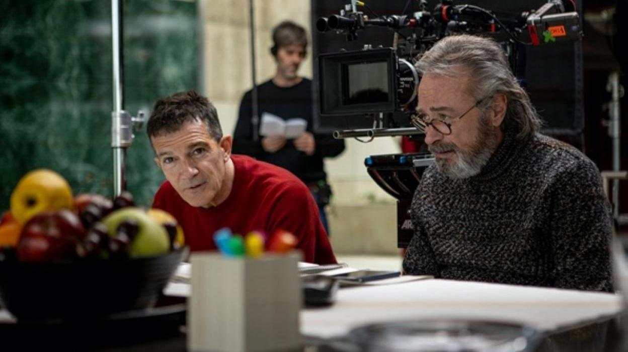 """Antonio Banderas y Oscar Martínez, en el rodaje de """"Competencia oficial"""""""