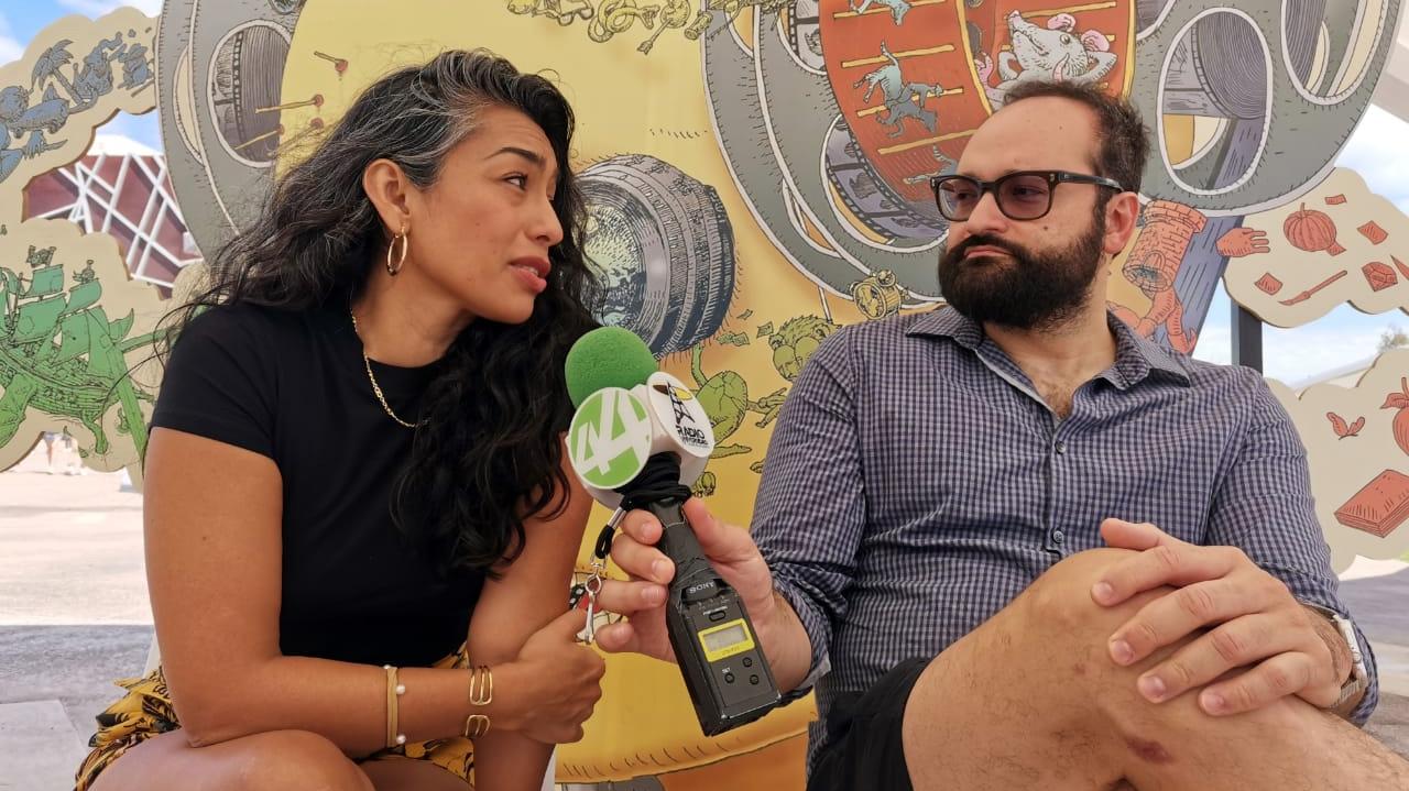 """Adriana Paz, actriz protagonista de """"El comediante""""y Gabriel Nuncio (UDGtv)"""