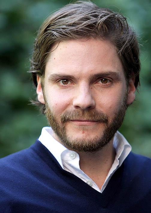 Daniel Brühl reconoce que la crisis catalana divide a su ...